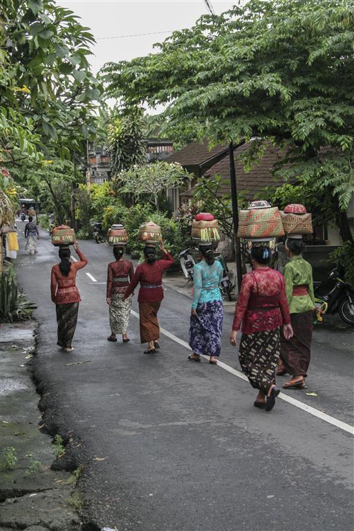 Bali basket carriers